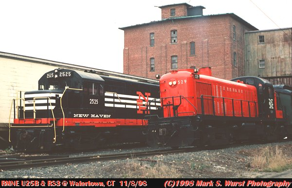 The railroad museum of new england s new haven u25b and rs 3 with